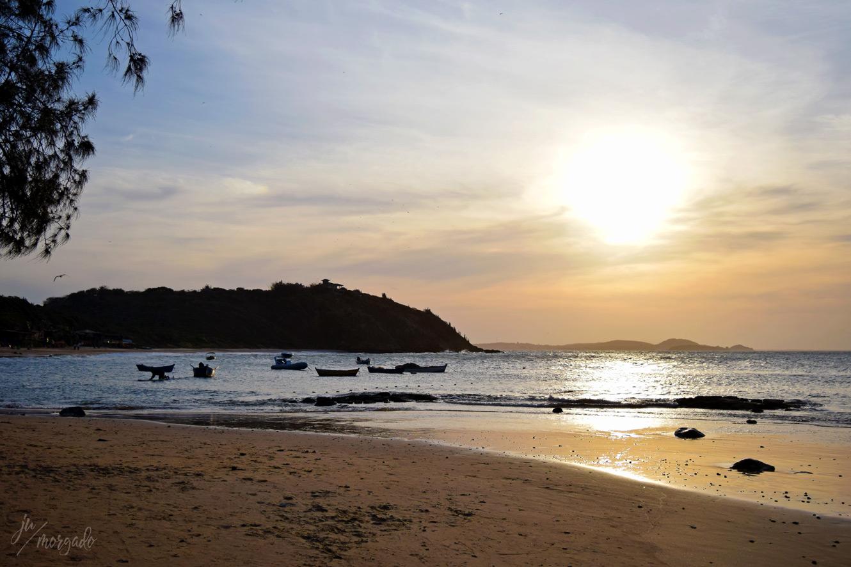 Por do sol na praia da Tartaruga, em Búzios