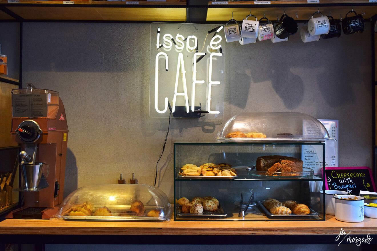 Produtos e comidinhas do Isso é Café em São Paulo.