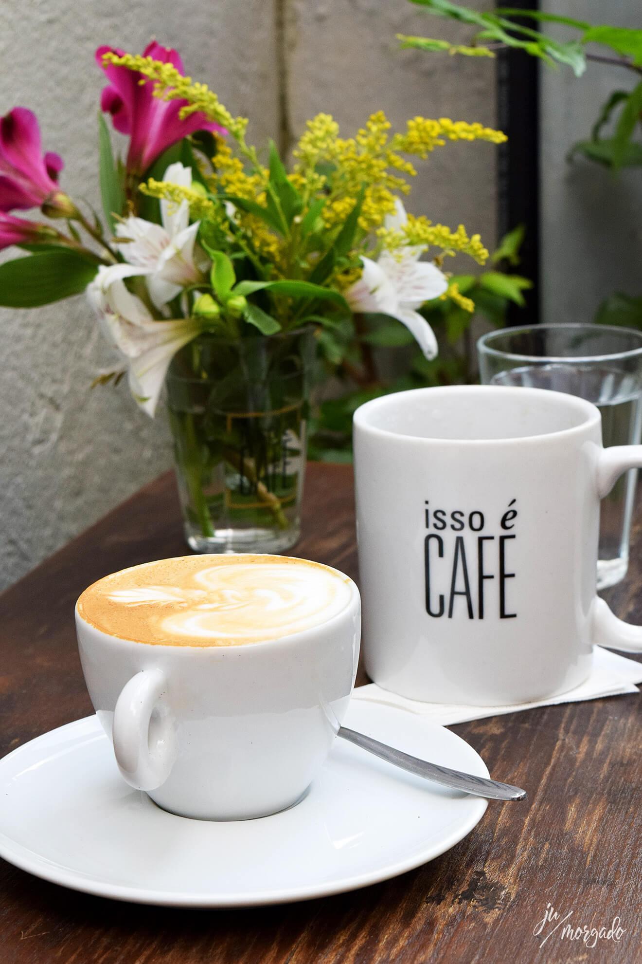 Cappuccino e V60 do Isso é Café em São Paulo.